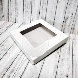 Pudełko 15x15cm z kwadratowym okienkiem i przeszyciami